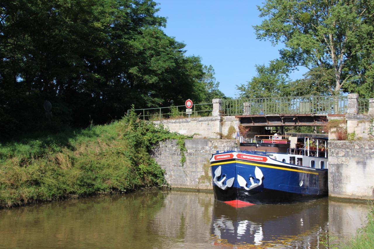 Lock time on Burgundy Canal European Waterways' L'Impressionniste